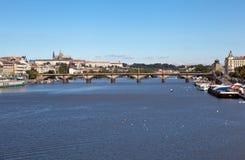 布拉格,捷克REPUBLIC-SEPTEMBER 05日2015年:Palacky桥梁照片  库存照片