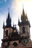 布拉格 日出的Tyn大教堂 门面特写镜头的细节 免版税库存图片