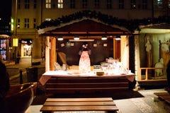 布拉格- 12月07 :圣诞节市场忍受的供营商 库存图片