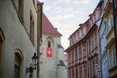 布拉格- 12月07 :用什么装饰的古色古香的大厦看 库存图片