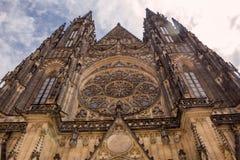 布拉格 St Vitus大教堂 cesky捷克krumlov中世纪老共和国城镇视图 免版税库存照片