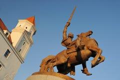 布拉索夫城堡国王雕象svatopluk 免版税图库摄影