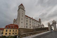 布拉索夫,斯洛伐克美丽如画的老王宫斯洛伐克:Bratislavskà ½ hrad 免版税图库摄影