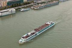 布拉索夫,斯洛伐克都市风景有客船的 图库摄影