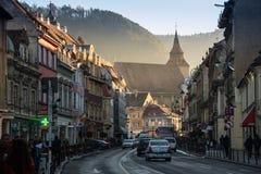 布拉索夫,特兰西瓦尼亚,罗马尼亚- Novemrer 19日2016年:老镇的中心广场 布拉索夫 transylvania 看法从 免版税库存图片