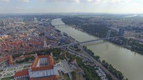 布拉索夫城堡和多瑙河鸟瞰图  股票视频