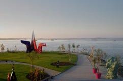 布拉索夫,斯洛伐克- 11月15 :新的艺术Danubiana博物馆外部在11月15日的城市布拉索夫 库存照片