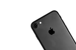 布拉索夫,罗马尼亚- 2016年11月25日:iPhone 7黑表面无光泽的细节 免版税库存照片