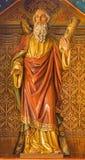 布拉索夫-传道者圣安德鲁。从19。分的被雕刻的雕象。在圣马丁大教堂里。 库存照片