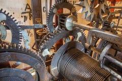布拉索夫-老钟表机构细节从塔时钟的在圣Martins大教堂 免版税库存图片