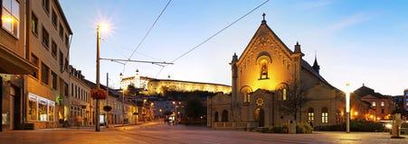 布拉索夫-老镇-晚上都市风景 库存图片