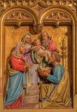 布拉索夫-耶稣的介绍寺庙场面的。从19。分的被雕刻的安心。在圣马丁大教堂里。 库存照片