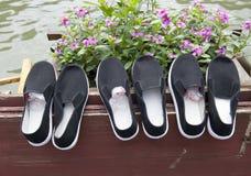 布料鞋子 库存图片