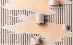 布朗使被撕毁的纹理纸成波状 库存图片