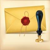 布朗信封和Rad蜡与蜡封印盖印。 免版税库存图片