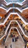 布朗斯维克,下萨克森州,德国, 1月27,2018 :自动扶梯在一个大购物中心,社论 库存图片