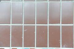布朗有大长方形的,纹理墙壁瓦片 免版税图库摄影