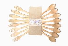 布朗木匙子和叉子 免版税库存图片