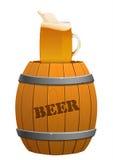 布朗木桶和啤酒杯 图库摄影