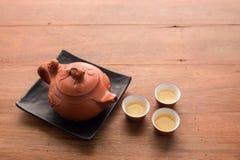 布朗泥罐茶具 库存照片