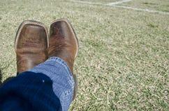 布朗牛仔靴 免版税库存照片