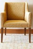 现代椅子在客厅 库存图片