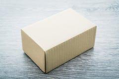 布朗箱子嘲笑 免版税库存照片