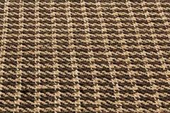 布朗背景豪华布料或难看的东西丝绸纹理缎天鹅绒波浪折叠  免版税库存图片