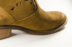 布朗绒面革鞋子 免版税库存图片