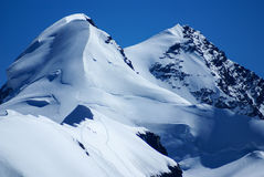 布来特峰峰顶在从klein看见的瑞士阿尔卑斯马塔角 库存照片
