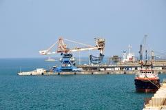 布林迪西港在南意大利 免版税库存图片