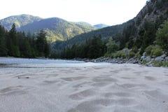 布罗姆利在BC Hedley附近的岩石海滩 免版税库存图片
