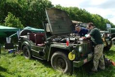 布罗姆利, LONDON/UK - 6月07日:布罗姆利壮丽的场面开汽车 最大的一天经典车展在世界上! 免版税图库摄影