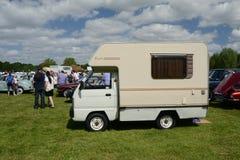 布罗姆利, LONDON/UK - 6月07日:布罗姆利壮丽的场面开汽车 最大的一天经典车展 免版税库存图片