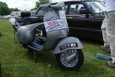 布罗姆利, LONDON/UK - 6月07日:布罗姆利壮丽的场面开汽车 最大的一天经典车展 免版税库存照片
