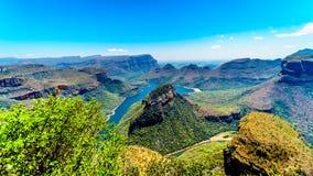 布莱德河水坝和布莱德河峡谷的看法从三Rondavels观点 免版税库存图片