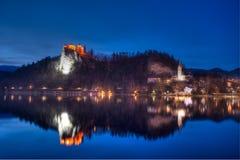 布莱德湖在晚上 库存照片