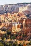 布赖斯峡谷圆形露天剧场,犹他的风景岩层 免版税库存照片