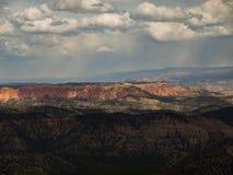 布赖斯日出峡谷开始  图库摄影