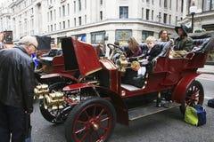 布赖顿汽车伦敦运行到退伍军人 库存照片
