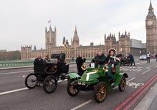 布赖顿汽车伦敦运行 免版税库存图片