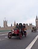 布赖顿汽车伦敦运行 图库摄影