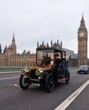 布赖顿汽车伦敦运行 库存照片