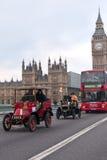 布赖顿汽车伦敦运行 免版税库存照片