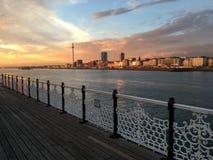布赖顿码头日落 免版税库存照片