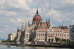 布达佩斯全景有多瑙河和议会的,匈牙利 库存照片