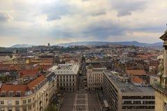 布达佩斯全景 从圣斯蒂芬的大教堂的看法 免版税库存图片