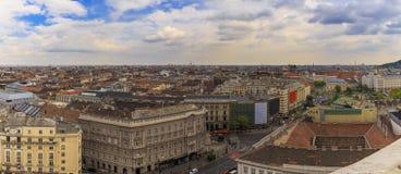 布达佩斯全景 从圣斯蒂芬的大教堂的看法 免版税库存照片