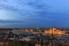 布达佩斯全景 从布达城堡的看法 免版税库存图片