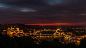 布达佩斯和多瑙河在夜之前 股票视频